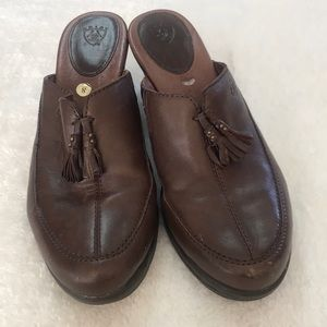 Ariat Brown leather mules clogs size 8